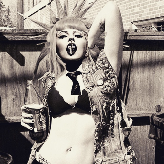 NY state of Mind. Good times are coming! @bessnyc4 #bitchimmadonna ❤️#rebelheart