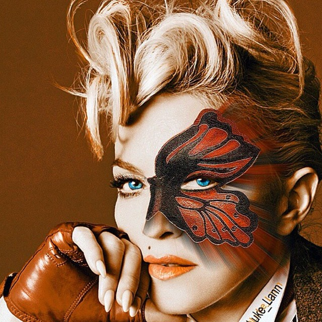 Come Fly with Me! ❤️#rebelhearts. @luke_lann